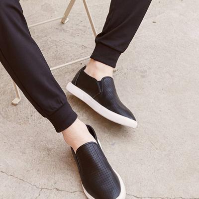 【3件1.5折价:35.9】美特斯邦威户外休闲鞋男年新款材质拼接时尚户外休闲鞋商场同款