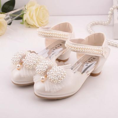 热卖新款女童高跟鞋儿童节舞蹈鞋中大童公主鞋白色演出皮鞋包头款凉鞋