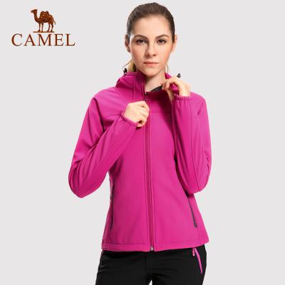 CAMEL骆驼户外软壳衣防风防寒耐磨保暖女款软壳衣秋冬上衣
