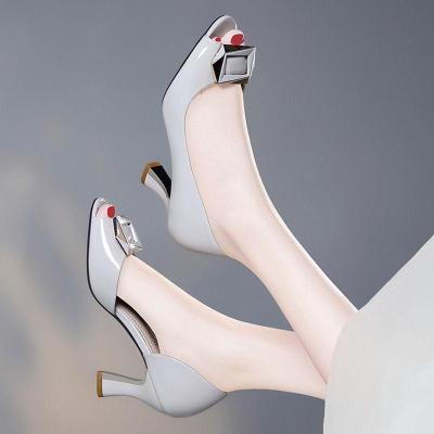 2019凉鞋女春夏季新款细跟鱼嘴鞋百搭中跟时尚侧空高跟鞋女套脚高跟鞋 威珺