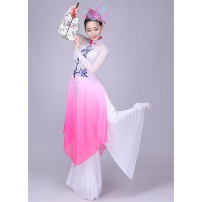 新款民族舞蹈服裝大合唱梅花頌古典舞蹈服秧歌服團扇演出服女長裙