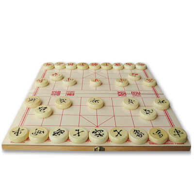 梁威中國象棋木質棋盤棋子套裝可折疊攜帶方便大號入門訓練比賽用棋子直徑約4厘米