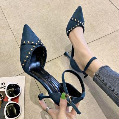 高跟女鞋新款尖頭細跟韓版百搭一字扣帶涼鞋性感鉚釘單鞋